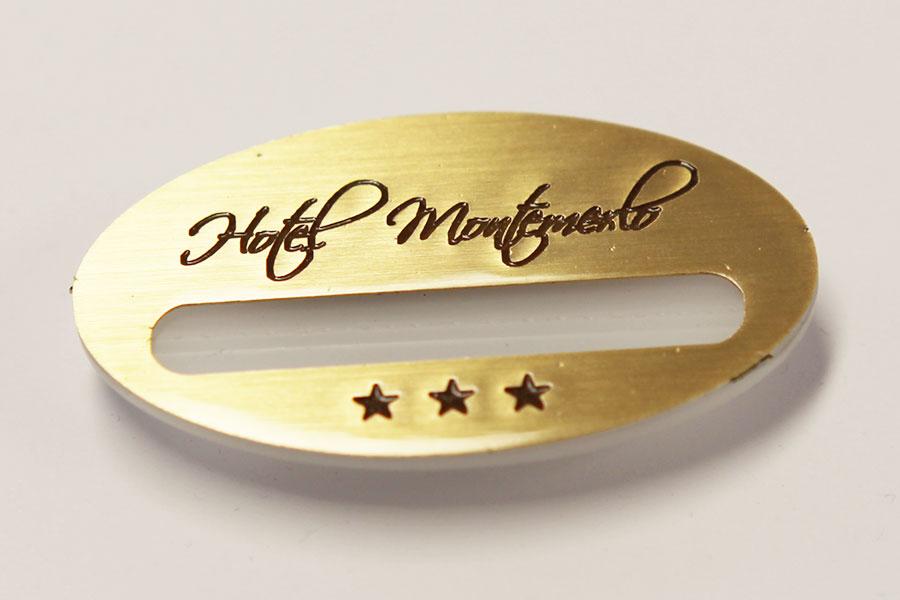 portanome_magnetico_hotel_montemerlo_ew_lavori